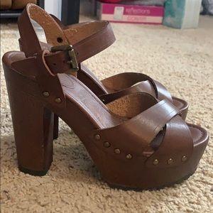 MIA brown chunky heels